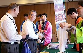 President Matsumoto also purchased some items